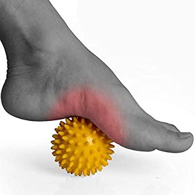 Imagen de un pie masajeándose con pelota